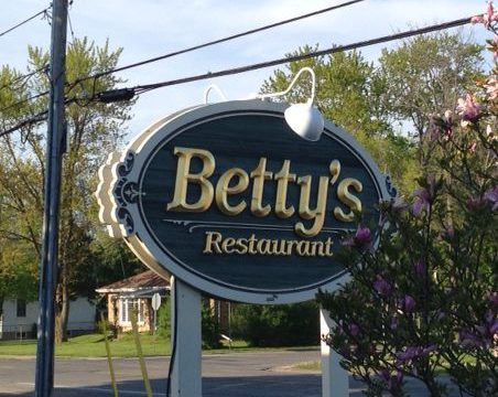 Meet 'n Go, Betty's, Chippawa, May 17, 2016 Image